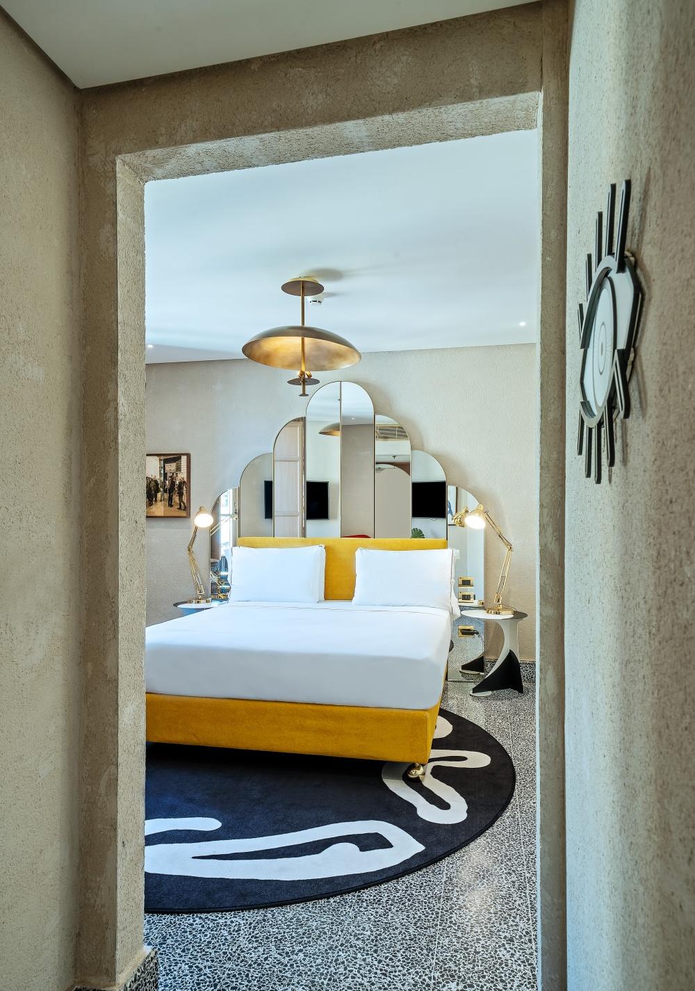 particolare arredamento hotel testata letto imbottita hotel firenze